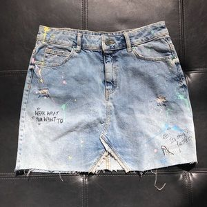 Zara distressed denim A line skirt sz medium